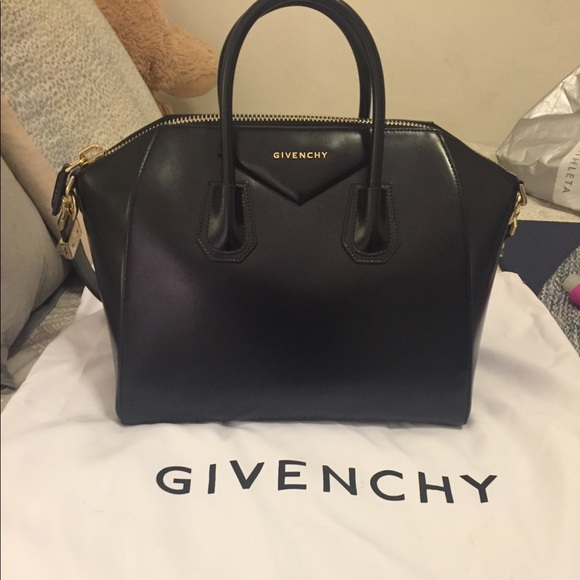 Givenchy Handbags - FLASH SALE Givenchy Antigona Medium Bag 04964491993ed